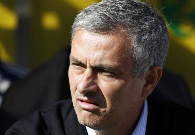 Manchester City are title favourites, says Chelsea boss Mourinho