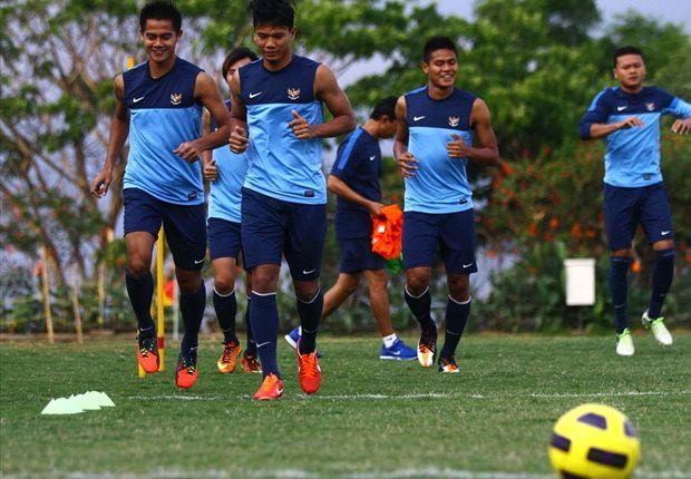 Para pemain timnas terus berlatih secara serius jelang laga melawan Cina di Pra Piala Asia 2015, 15 November nanti.