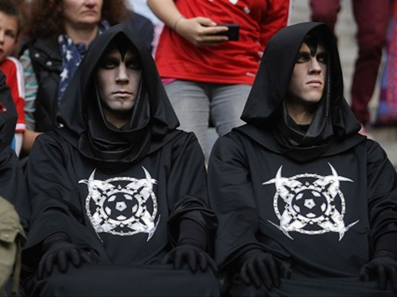 Mysterious figures at Bayern Munich