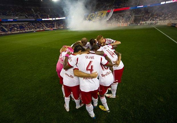 MLS: Olave de frente dentro y fuera del terreno