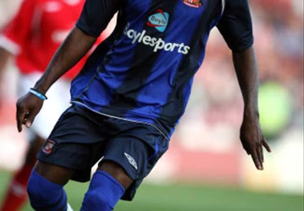 Sunderland Eager To Sell Chimbonda To Lyon?