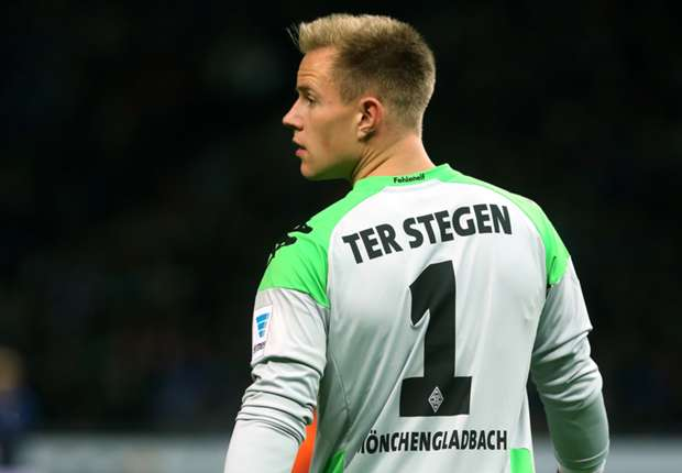 Ter Stegen shrugs off Barcelona rumours
