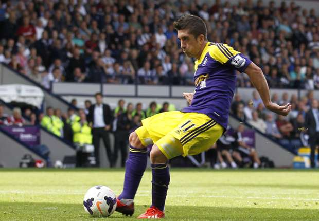 Swansea winger Hernandez eyes starting berth in south Wales derby