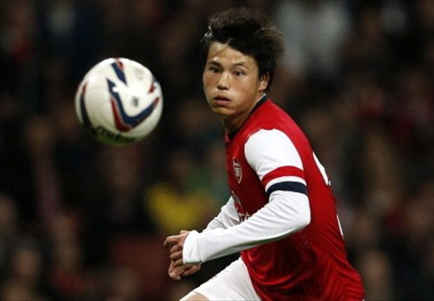 Arsenal left with only six substitutes after Miyaichi paperwork error