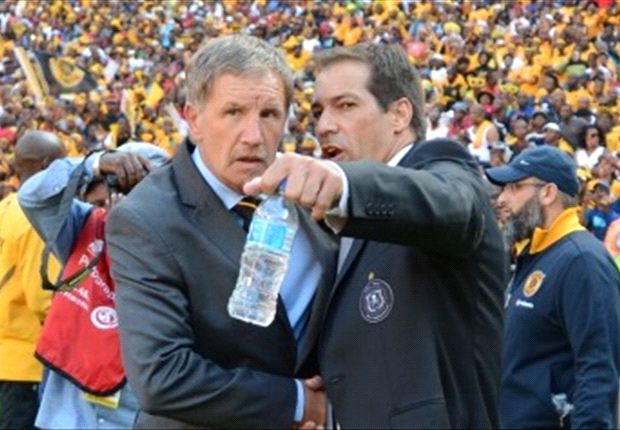 Is De Sa trying to convince Baxter to release Majoro?