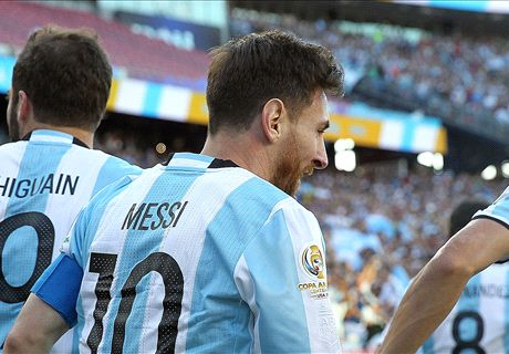 Messi ties record in quarter-final rout