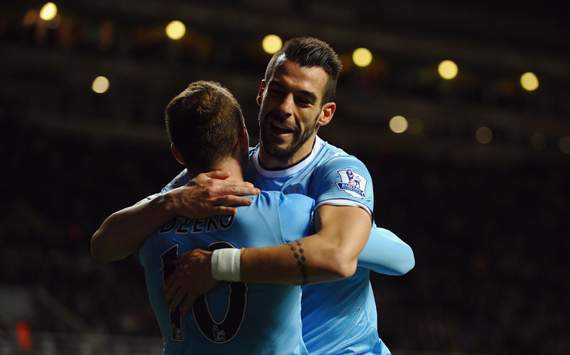 Negredo & Dzeko seal late Man City win