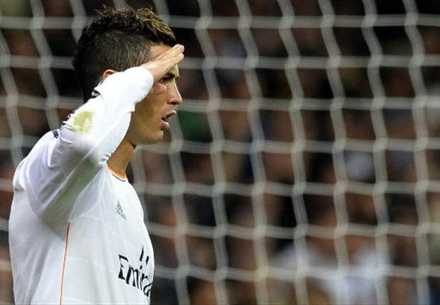 Der Commander zeigt es Blatter: Cristiano Ronaldo at his best
