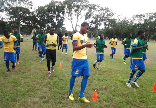 Obinna (middle) training with teammates