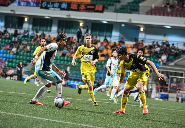Bruno Castanheira (left) torments the Tampines defence. He scored Albirex's third goal.