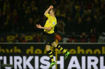 Bundesliga Team of the Week: Lewandowski included after hat-trick heroics