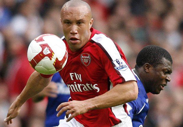 Mikael Silvestre findet, Alexis Sanchez passe nicht zu den Gunners