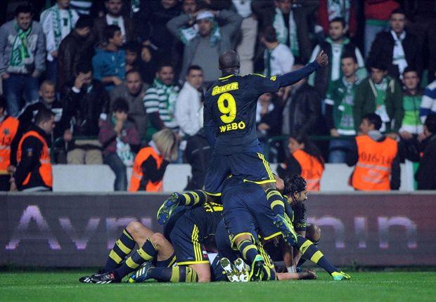 Fenerbahce bejubelt den Sieg bei Bursaspor