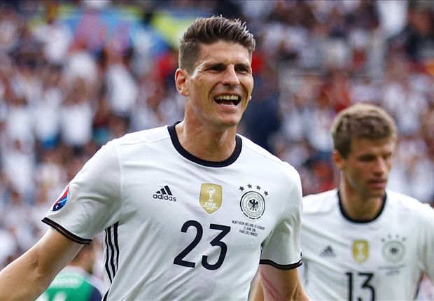 'Barcelona & Borussia Dortmund in talks for Mario Gomez'
