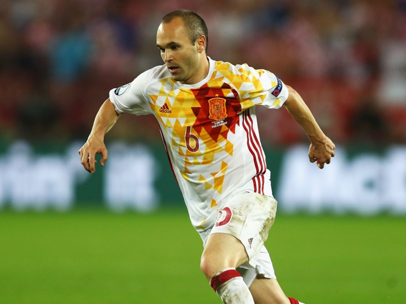 Iniesta could continue Spain career beyond World Cup