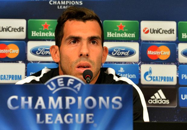 Tevez fue titular en los tres partidos de Juventus por la Champions.