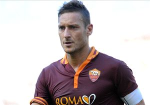 Garcia vol lof over Totti