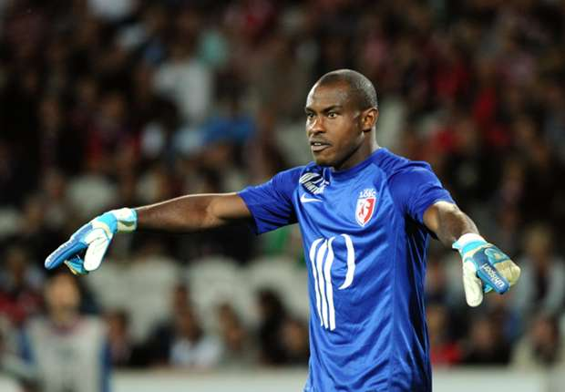 Vincent Enyeama is best player of the French Ligue 1 during the month of October
