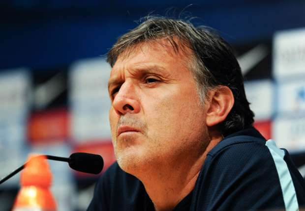 Martino: Ajax defeat worries Barcelona