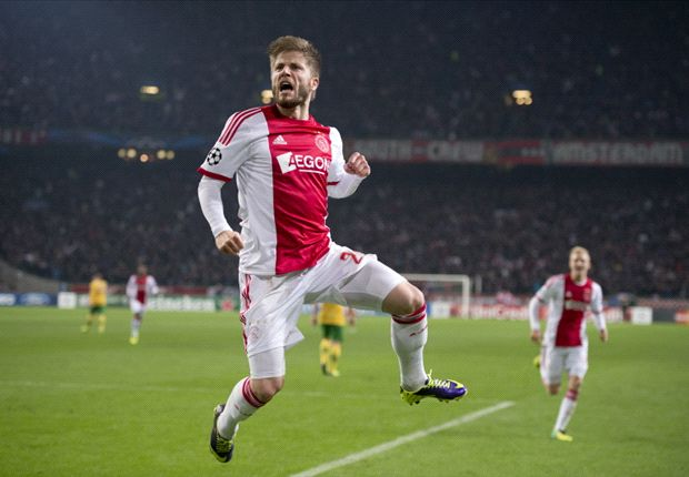 Ajax 1-0 Celtic: Schone strikes to leave Bhoys on brink of elimination