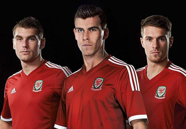Bale & Ramsey model new Wales kit