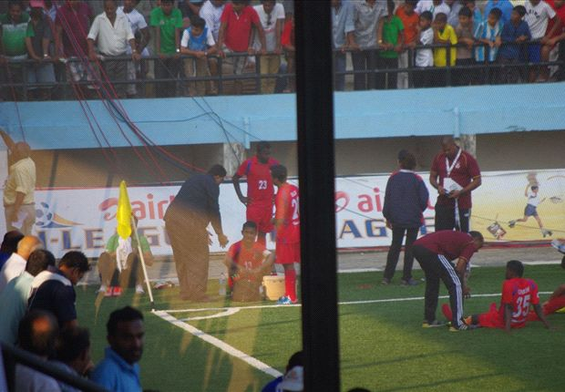 Churchill Alemao talking to his players during half-time