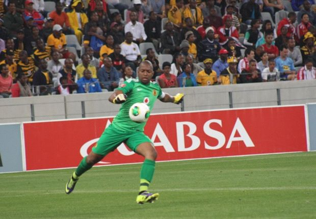 Itumeleng Khune in action against Ajax Cape Town in the PSL (Photo by Ignat Manjoo)