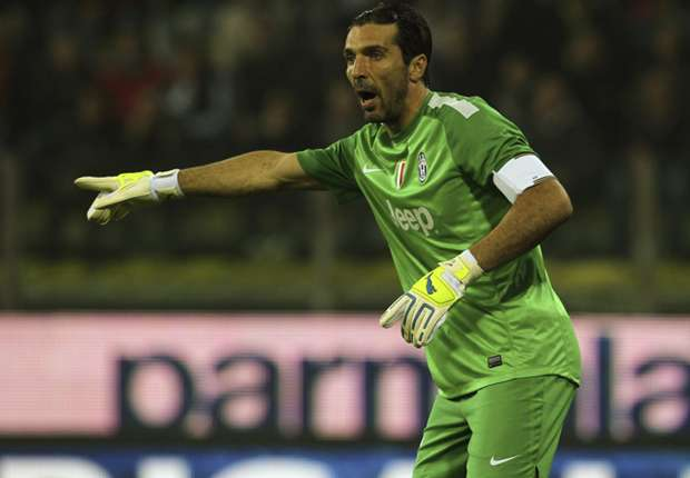 Buffon's Italy place safe, says Prandelli