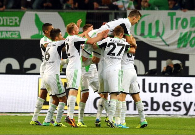 Wolfsburg 2-1 Borussia Dortmund: Olic wonderstrike condemns Klopp's men to second consecutive defeat