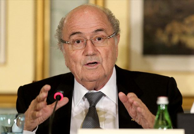 Blatter: Qatar working conditions 'unacceptable'