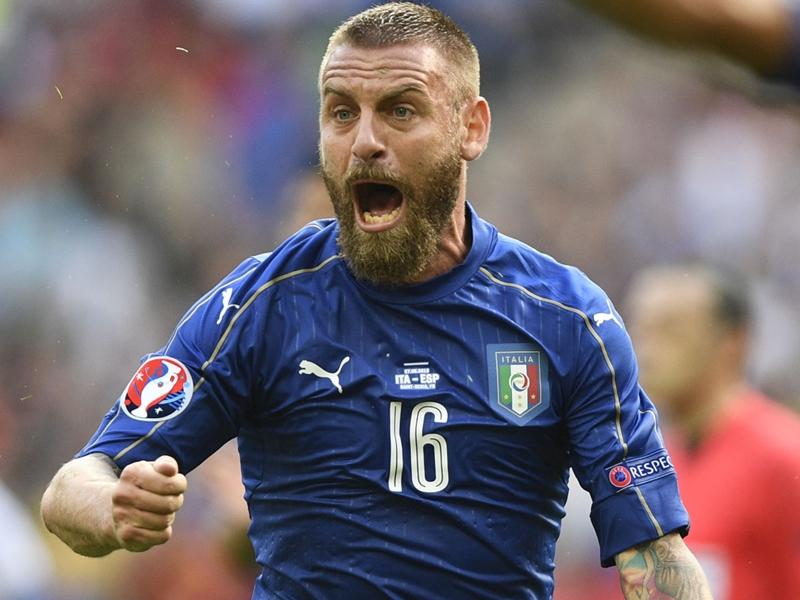 Italia-Spagna, prove di 3-5-2 per Ventura: De Rossi e Ogbonna titolari