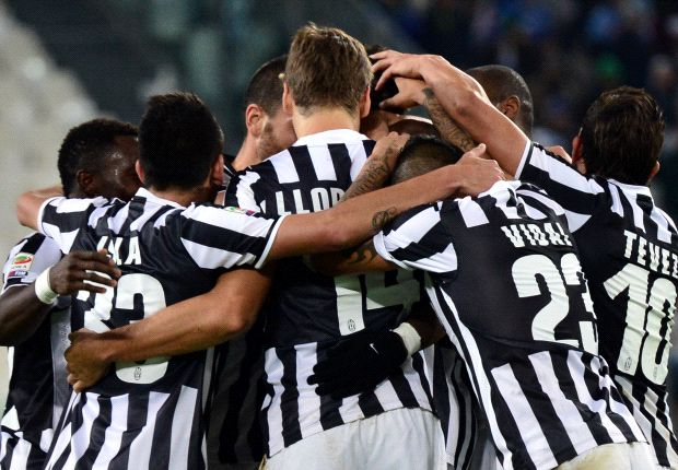 L'esultanza dei giocatori della Juventus nella sfida contro il Napoli