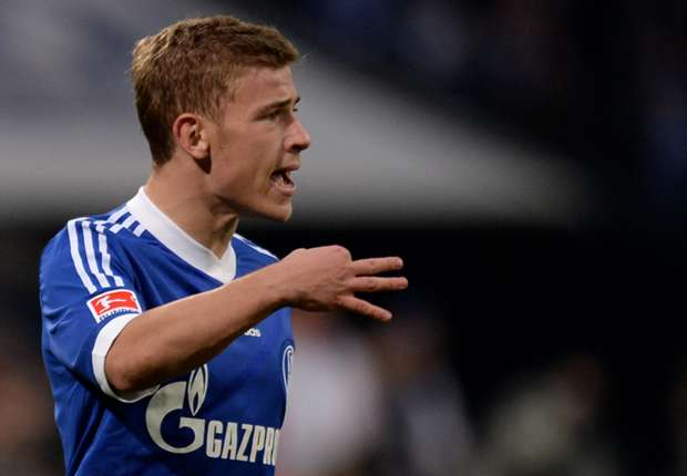 Meyer signs Schalke contract extension