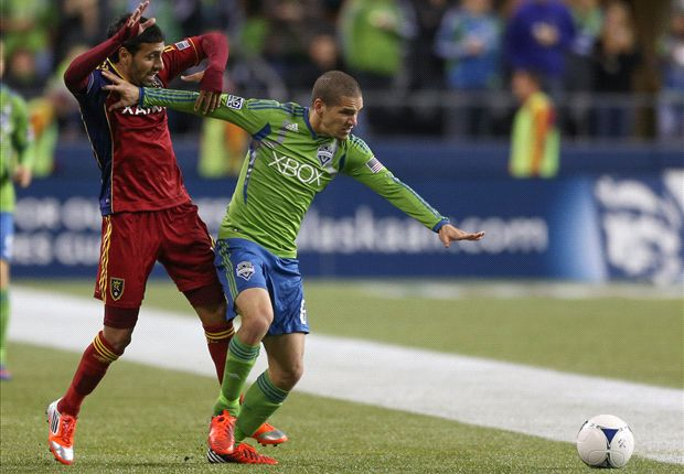 Seattle Sounders sign Alonso to designated player contract