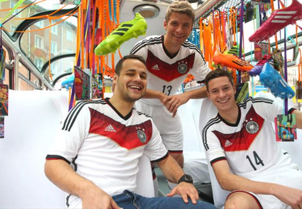 Jersey home Jerman di Piala Dunia 2014