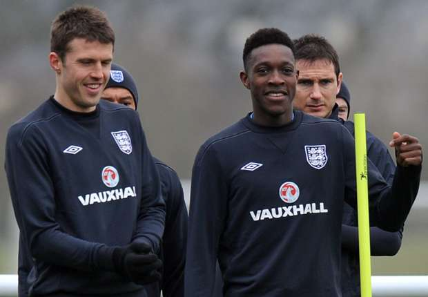 Carrick and Welbeck out of England squad