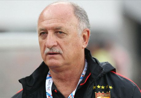 Scolari indicates interest in England