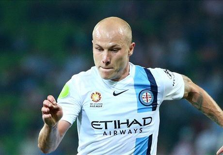 Manchester City sign Aaron Mooy