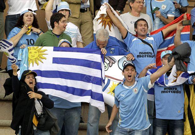 Uruguay ya se instaló en Montevideo, la hinchada espera la fiesta de la revancha