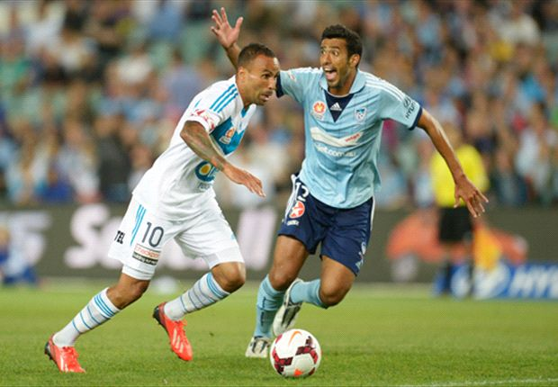 Tiago Calvano struggles to cope with Archie Thompson