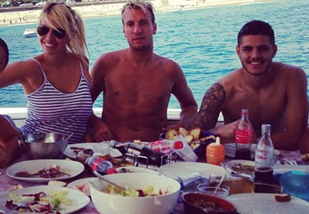 Mauro Icardi, Wanda Nara e Maxi Lopez in vacanza in Sicilia