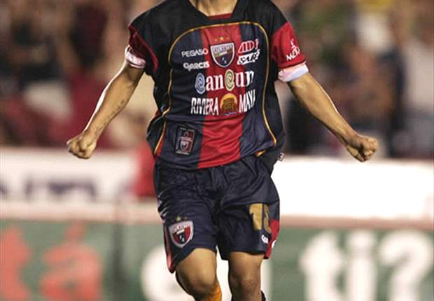 Christian Bermudez And Atlante Push Forward