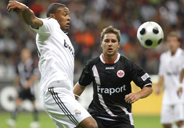 Robinho marca em empate do Real Madrid