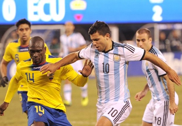 Argentina sweat on fitness of Aguero and Garay