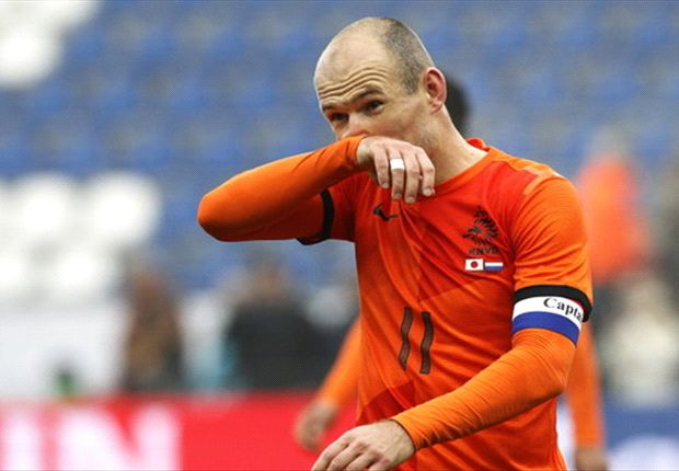 Netherlands loses Robben and De Jong to injury