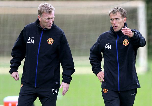 Moyes is gaining Manchester United players' trust, says Phil Neville