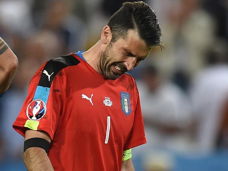 Italia colabrodo, Buffon è preoccupato: Concediamo troppo, non è nel nostro dna
