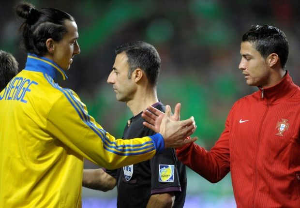 Zlatan Ibrahimovic y Cristiano Ronaldo en la previa del duelo que luego ganaría el portugués