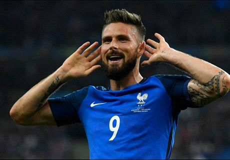Giroud at the double as France march on