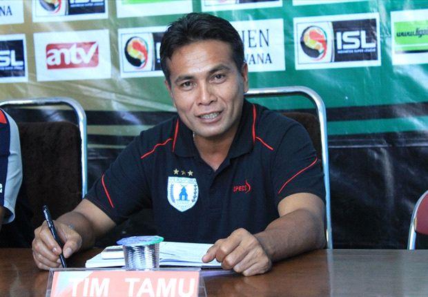 Alan Haviludin telah ditunjuk sebagai pelatih kiper Arema menggantikan Hendro Kartiko